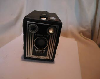 Vintage Kodak Brownie Target Six-20 Box Camera, collectable