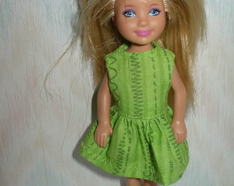 "Handmade 5.5"" little sister fashion doll clothes - green print dress"