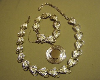 Vintage Coro Pegasus Silver Tone Leaf Design Necklace Charm Bracelet Set 8940