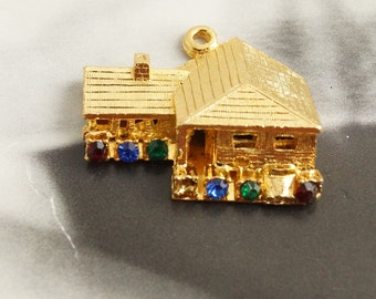 Vintage Gold Plated Rhinestone House Pendant 27mm (1)