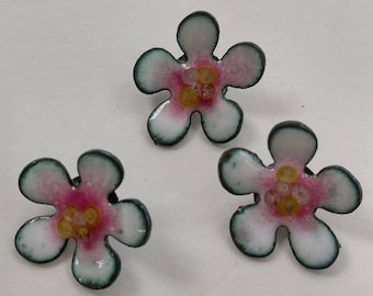 Enameled Shank Buttons  Apple Blossoms  2017  B-44
