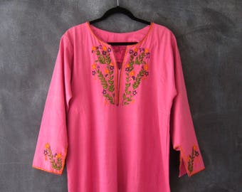 1970s Josefa Mexican Pink Cotton Embroidered Flowers Long Kaftan Bohemian Maxi Dress OSFM