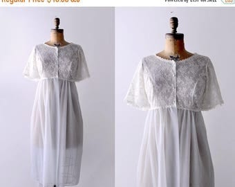 25% OFF 60's lace robe. butterfly sleeves. 1960 ivory negligee. blue. empire waist. 60 nightgown. L.