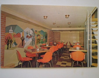 orig postcard  CADILLAC MOTEL Coffee Shop Mid Century Decorated Burlington Vt '50s