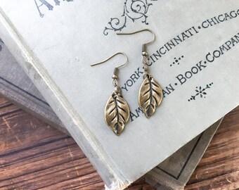 Leaf earrings // leaf charm earrings // gold leaf earrings // antique bronze earrings // boho style earrings // bronze dangle earrings //