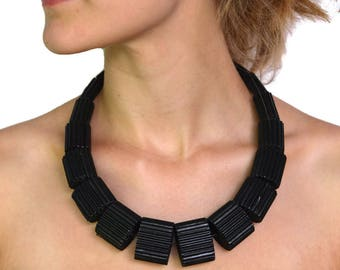 Black Necklace LUNA MEDIUM made of Corrugated Cardboard