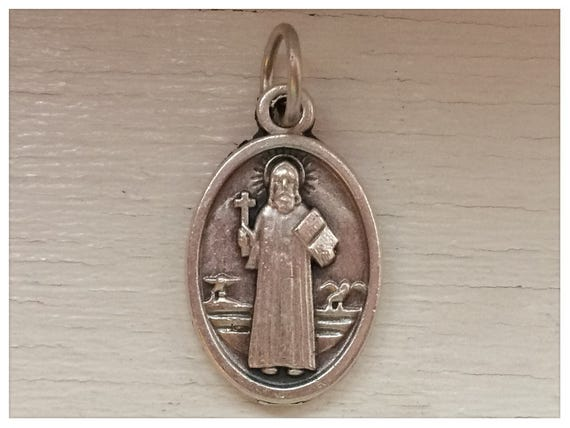5 Patron Saint Medal Findings, St. Benedict, Medium Oval, Die Cast Silverplate, Silver Color, Oxidized Metal, Made in Italy, Charm, RM101