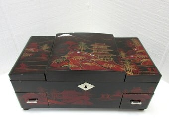 Vintage Red And Black Laquered  Wooden Jewelry / Music Box Made In Japan