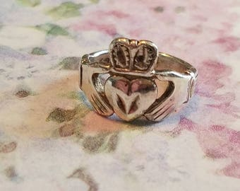 Vintage Sterling Silver Claddagh Ring Band or Wedding Band 1980s Accessory Love Friendship and Loyalty Irish Size 5.5