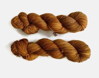 "Semisolid brown sock yarn, hand dyed - 4 ply fingering, 75/25 superwash merino and nylon, Sock&Roll base - ""Litos"""
