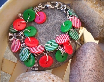 Red and Green Button Christmas Charm Bracelet