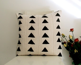 Mud Cloth 20 x 20 Black and White Ivory Cream Triangle Block Print Pillow Cover