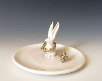White Rabbit Ring Dish, White Ring Dish for Easter, Weddings, Jewelry Storage for Your Precious Stones