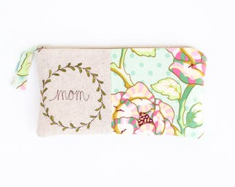 Personalized Gifts for Mom, Floral Mom Gift, Floral Clutch, Personalized Mother Gift, Gift for Mother, Gift Ideas for Mom