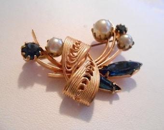 Vintage brooch, pearl and cobalt blue crystal floral brooch, retro 1950s brooch, designer brooch, classic brooch, elegant brooch
