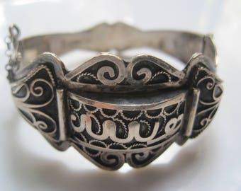 Tribal And Ethnic Jewelry Vintage And Antique By Anteeka