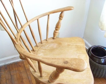 Antique Primitive Comb Back Windsor Chair