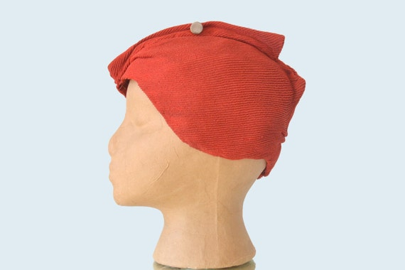 1930s Red Turban Cloche Hat