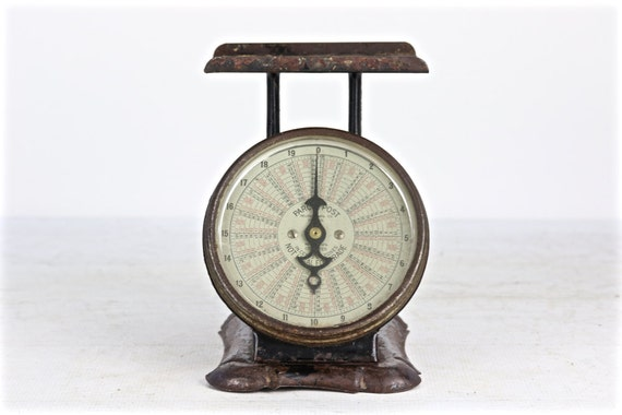 Vintage scale rustic black scale us postal scale pelouze for Rustic kitchen scale