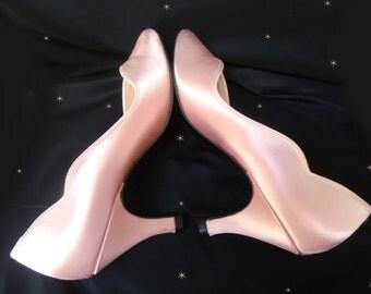60s Pink Satin Pumps - Vintage Prom Shoes - Pointy Toes - Vintage Bridesmaid Heels - Retro Satin Heels - Pink Pumps - Mid Heel Pumps - Sz 7