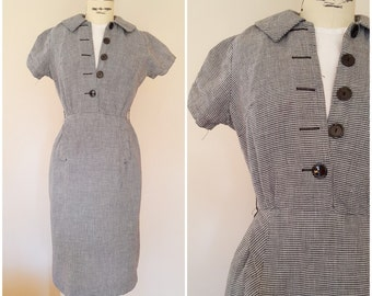 Vintage 1960s Wiggle Dress / Black and White Houndstooth Fitted Dress / 60s Dress / Secretary Dress / XS
