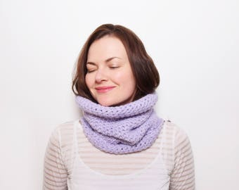 Chunky Scarf Neckwarmer, Chunky Crochet Snood, Oversized Scarf, Infinity Scarf Cowl, Spring Scarf, Gift for Her, Gift for Mom, Neck Warmer