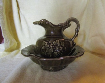 McCoy Saucer bowl and unmarked pitcher