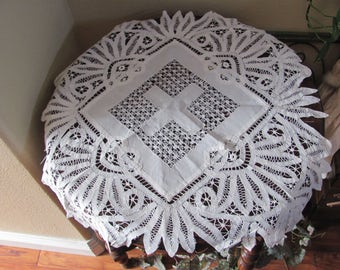 "Table Linens Vintage Solid White Battenberg Drawnwork Linen Tablecloth - 23"" Square (#133)"