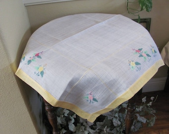 """Table Linens Vintage Handmade Embroidered Applique Linen Cotton Tablecloth - 30"""" Square (#111)"""