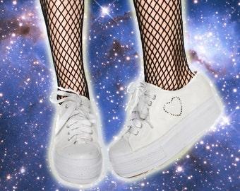 90s Vintage Studded Heart Sporty Health Goth Grunge Canvas Platform Sneaker Shoe 8.5