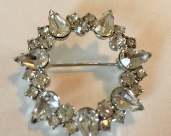 WINTER SALE Beautiful Vintage  Clear Rhinestone and Silver Metal Wreath Brooch