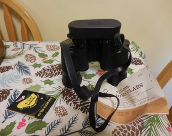 Vintage  1960s to 1970s Sears and Roebuck and Co. 7 x 35mm Binoculars Hunting/Nature Study/Vacation/Hiking/Bird Watching Vinyl Carry Case