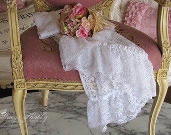 Pair Gorgeous Cascading LACE CURTAINS With ROSES, Shabby Chic, Cottage Kitchen, Bathroom