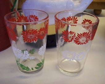 swanky swig glasses, 2 juice glasses, red and white flowers