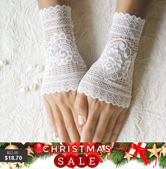 Christmas SALE wedding lace gloves cuffs mittens ivory gloves 25% OFF free shipping