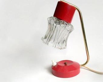1960s Red Small Bedside Table Lamp. Clear Ice Glass Shade. Affordable Mid Century Modern / Mad Men Lighting.