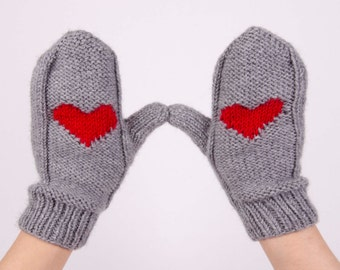 Knit mittens winter gloves  with heart