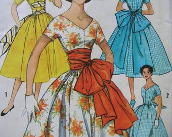 Fabulous Vintage 50s WITH Or WITHOUT SASH Dress Pattern