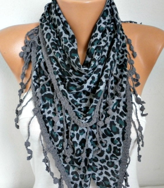 Green Leopard Scarf,Fall Scarf Animal Scarf,Cowl Scarf with Lace Edge Gift Ideas For Women Fashion Accessories,Holiday Gift