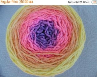 """SALE - Metamorphosis gradient Yarn, Melody DK, Superwash Merino, 197 grams """"Sunset"""""""