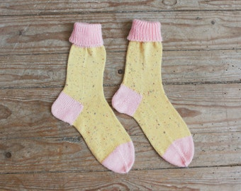 Handmade fun color home socks yellow and pink color dots cotton wool knitted socks