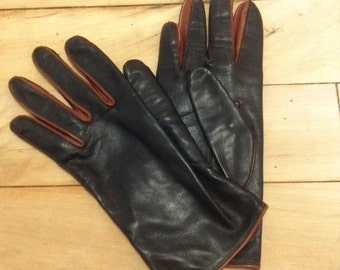 French 1950s Woman Gloves - Chic Black & Brown Bicolor Luxurious Calfskin Leather - Made in France - New - S - 6.5