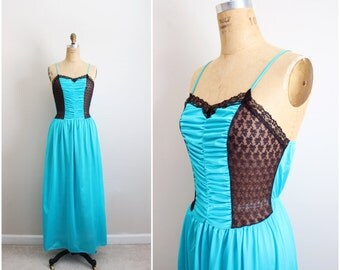 70s Turquoise Slip Dress/ Wedding Nightgown / 1980s Lace Slip Dress / Vintage Nightgown / Vintage Lingerie/Black Lace Slip / Size M/L