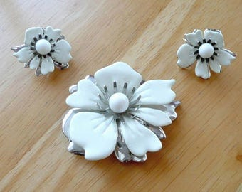 Brooch Earrings Set by Sara Coventry White Enamel Flowers with Silver Vintage