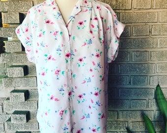 Vintage 1970s cap sleeve cotton floral button-up blouse