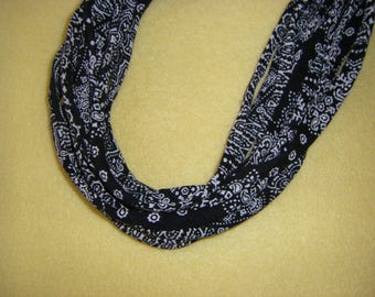 Recycled T-shirt Fabric Necklace - black and white paisley and floral, upcycled tshirt necklace tarn tshirt yarn