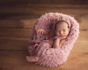 PDF Knitting Pattern - newborn photography Elijah_Cable_pants and bonnet set #100
