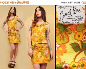 25% OFF 50s 60s Vtg Yellow Floral HAWAIIAN Cotton Print Shift Ruffle Wiggle Mini Dress / Hippie Boho TIKI Pin Up Vlv Xs Sm