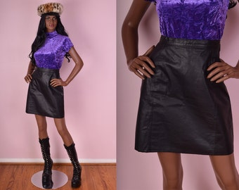 80s Black Leather High Waisted Skirt/ US 8/ 1980s
