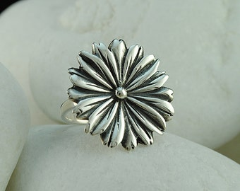 Flower Ring in Solid Sterling Silver - FREE Shipping